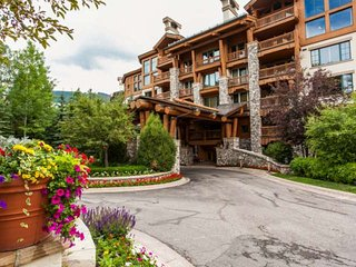 Elkhorn Lodge Condo: Ski In/Ski Out, 2 Master Suites, Fitness Ctr, Dial A Ride, Beaver Creek