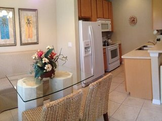 Coral Cay Resort 4 Bedroom Town Home with Private Jacuzzi. 2312CC, Kissimmee
