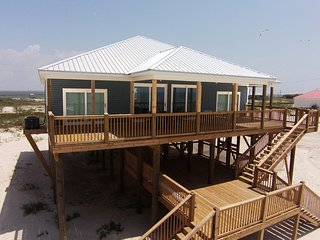 Serenity Pointe - On the Gulf,  available for Snowbird Booking!, Dauphin Island