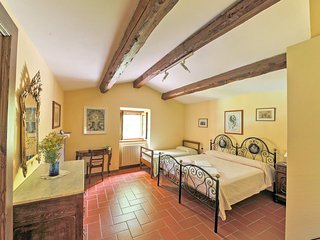 Tuscany Farmhouse with a Private Pool - Casa Antonio