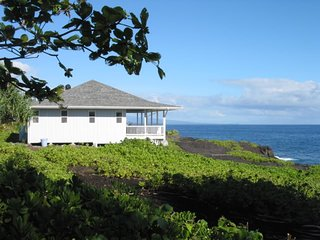 Situated on a rocky bluff overlooking the beautiful Puna coastline