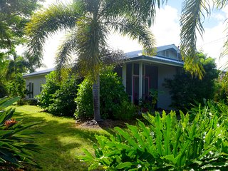 Piha Hou'oli Hale is a cute 2 bedroom house in Sea View Estates in the Puna district on the Big Island of Hawaii