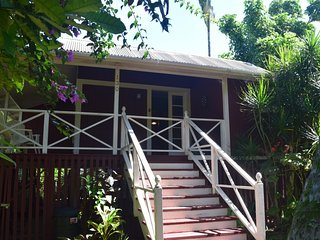 Hilo Kealoha: Classic Kama'aina Plantation Home Minutes from Downtown Hilo