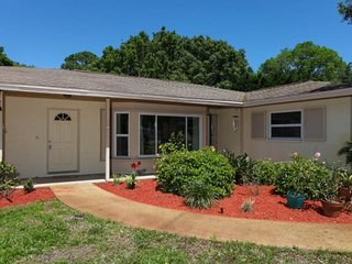 Padre - Beautiful home within walking distance to Manasota Beach