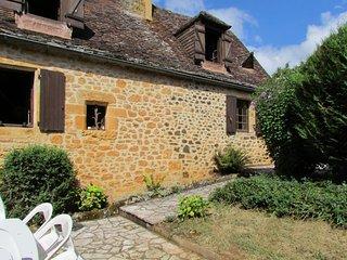 Cosy stone house in Midi-Pyrenées, Saint-Martial-de-Nabirat
