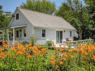 BAY STREET COTTAGE | BOOTHBAY HARBOR, MAINE | WALK TO DOWNTOWN SHOPS AND, Boothbay