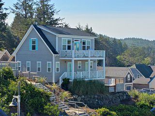 Seaview Cottage at Olivia Beach -Ocean View! Built 2014, Hot Tub, Heated Pool, Lincoln City