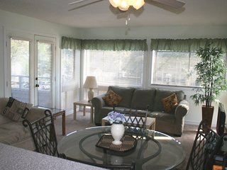 Awesome Vacation Condo ....Just steps to the beach!! 02207