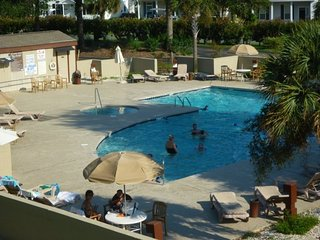 Great 2Br/2Bath Condo with Indoor & Outdoor Pools and Tennis Courts.