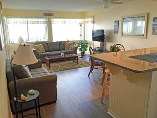 Great Condo on 1st Floor, Close to Beach and Both Pools..10137