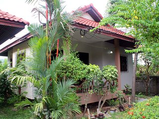 Secluded Poolview House 2 Bedroom