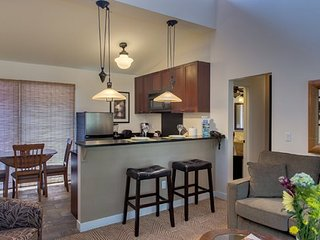 Aina Nalu Premier Platinum Condo D203 15% off and the 4th night FREE! 7/3-7/31