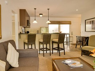 Aina Nalu Premier Platinum Condo B104 10% off and the 4th Night Free! 7/3-7/31