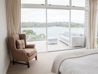 Oneroa Bay Vineyard Estate