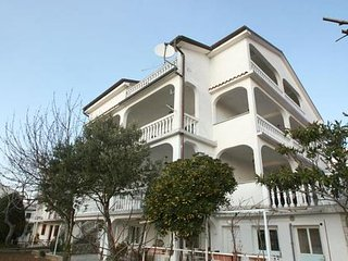 Private suites Crikvenica 5588 3-room-suite