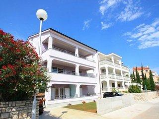 Private suites Crikvenica 8198 2-room-suite