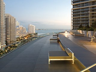 Luxury Waterfront Condo In The Urban Oasis At Icon-Brickell, Viceroy Resort
