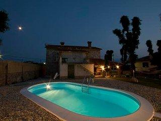 Private accommodation - villa Sveti Ivan Dobrinjski 8840 Holiday house