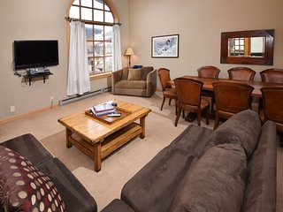 Vail Condo Rentals | Bridge Street | Great price on large 2 bedroom plus loft. Center of Vail Village