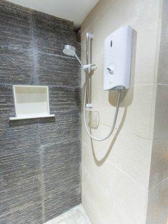 En-suite Electric Shower in Lower Ground Twin Bedroom