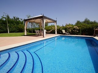 Modern Villa ZEUS for 9 guests, on the golf course of Reus Aiguesverds!