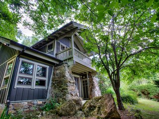 Snowball Mountain Hideaway, Balsam Grove