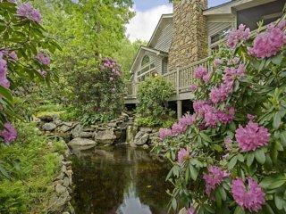 Rhododendron Villa, Hendersonville