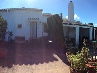 Cortijo El Chaparrillo, maravillosas vistas, piscina, salon con chimenea, 4 dorm