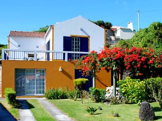 Apartment by the sea in Faial island, Capelo