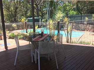 Four Bedroom Beach House with Pool - Pet Friendly, Yaroomba