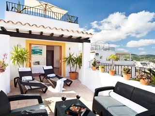 Incredible Double Terrace Apartment in the Old Town with Sea View, Ibiza Town