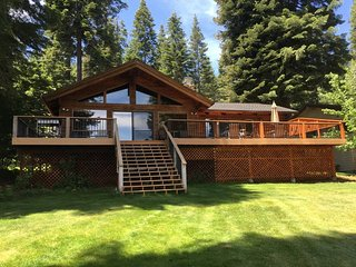 Walker/Buck - Country Club LAKEFRONT with Back Lawn, Dock & Buoy, Lake Almanor Peninsula