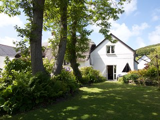 Manor Cottage Annexe, Croyde Village, centre yet tucked away/800m from beach