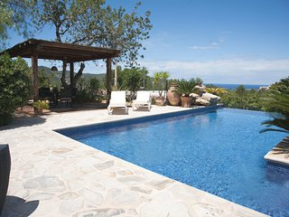 ET-0507E Luxury villa for 10 persons, San Agusti des Vedra