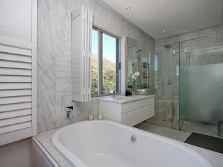 550 sqm Penthouse  with 360 views | Cape Town in the City Bowl