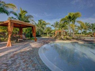 Esplanade by Siesta Key Villa near Siesta Key bridge in gated complex with pool, tennis, etc., Sarasota