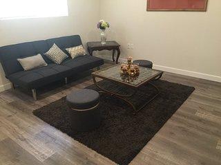 Furnished 2-Bedroom Apartment at Sylvan St & Friar St Los Angeles, Yorktown