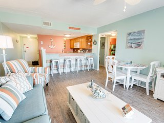 Beach Side Complex! Beach Views! Sleeps 6!, Orange Beach