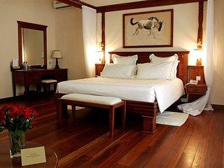 TEMBO COURT HOTEL