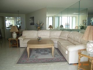 $595 p.Wk Special SSNW Ocean Front Condo–Excellent South West Gulf & Beach View