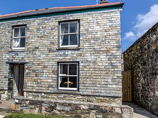 Mona's Cottage Charlestown