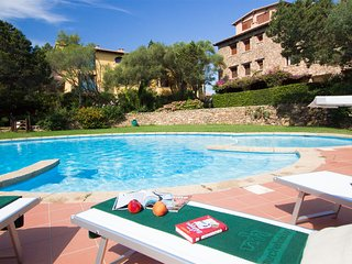 Porto Rotondo-Lovely Apartment in a central Residence with pool and parking