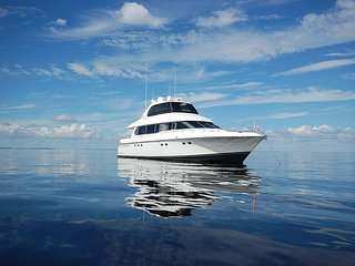 Luxury Yacht Vacation in Fort Myers & Sanibel, Fort Myers Beach