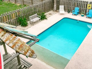 12 BR 8 BA Vacation Home. 4 Minute Walk To Beach! Private Pool, Bar, & Game Room