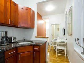 Times Square: Amazing New 2 Bedroom