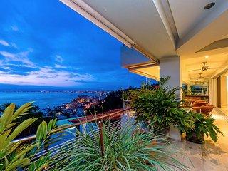 Lovely 3BR Puerto Vallarta Condo w/Bay Views!