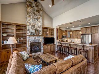 Brand New 4BR, 3.5BA Steamboat Springs Townhouse 5 Minutes from Slopes