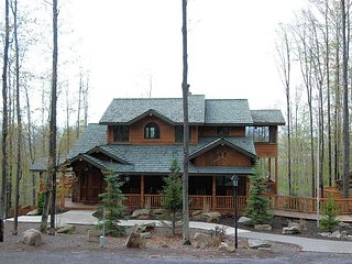 Big Bear is a luxurious mountain home with ski lodge appeal at Timberline!