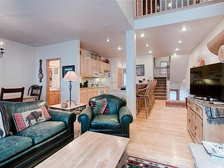 Ski-in/ski-out! Beautiful townhome w/ heated garage!