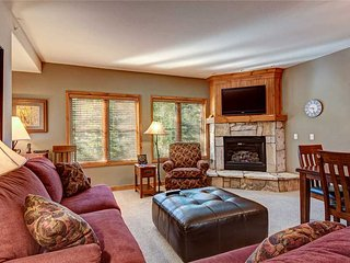 Stunning views! Ski-in/ski-out mountainside condo w/ 3 king beds!